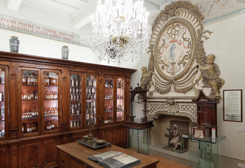 Credenza Da Farmacia : Aboca museum la farmacia dell